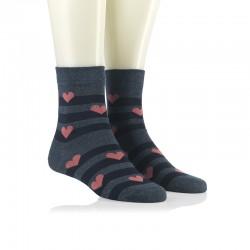 Modne nogavice - roza srčeki na črti jins