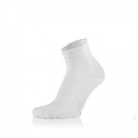 Otroške bele nogavičke z volančki (2 para v paketu)